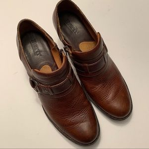 Born Shoes - Born brown leather bootie shoes w/buckle